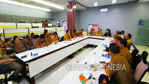 Ket foto : Bupati dan Wakil Bupati Karo Gelar Coffee Morning Bersama Unsur SKPD dan Jajarannya di Ruang Kominfo Kabanjahe, Senin (02/12) 2019 (Ist)