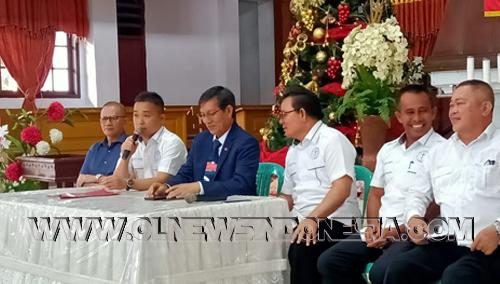 Pnt. G.S.Vekky Lumentut SE,MSi,DEA. Ketua PKB SINODE GMIM memberikan arahan kepada Panitia yg baru dilantik