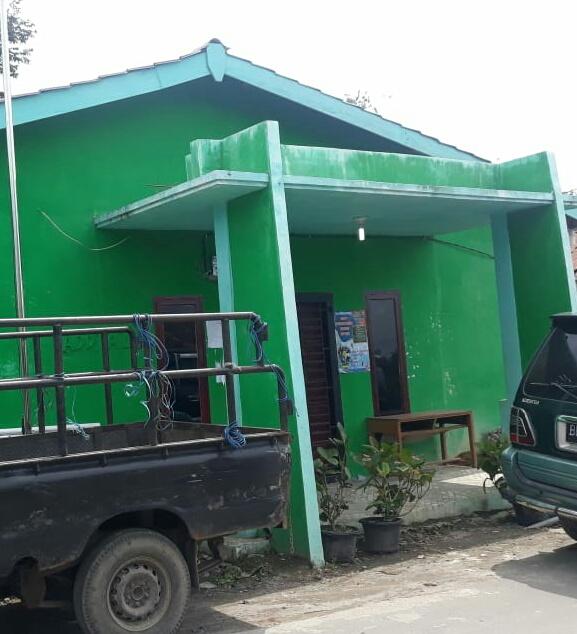 Ket foto : Kantor Kepala Desa Sadaperarih yang usai di rehab