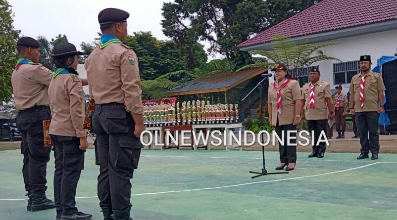 Ket foto : Wakil Bupati Karo Cory Seriwaty Br Sebayang sebagai Inspektur Upacara dalam acara Berastagi Chouting Challenge II Se Sumatera di lapangan SMA Negeri 1 Berastagi, Jumat (14/02) 2020 (Ist)