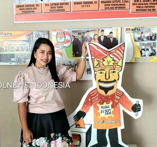 Ket foto  : Dewi A Susanti, MPd Komisioner KPU  Kabupaten Karo divisi Sosialisasi, pendidikan Pemilih dan SDM)