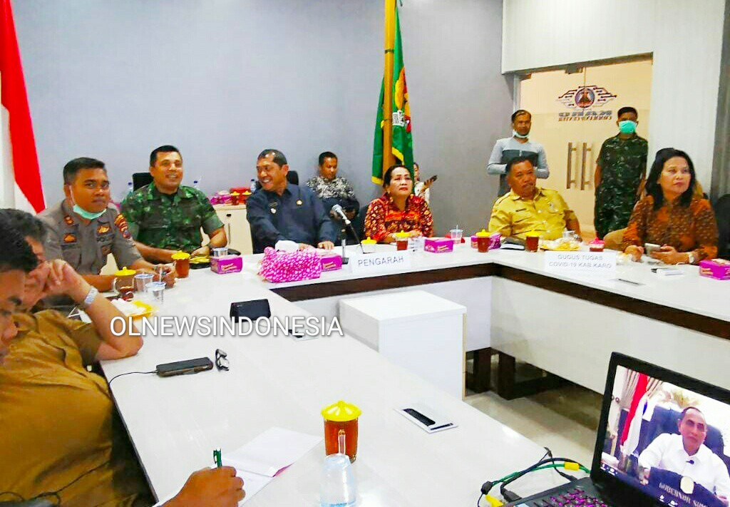 Ket foto  : Muspida Kabupaten Karo saat gelar videoconference dengan Gubernur Sumatera Utara Edy Rahmayadi dari Ruang Smart City kantor Bupati Karo Kabanjahe, Selasa (24/03) 2020 (Ist)