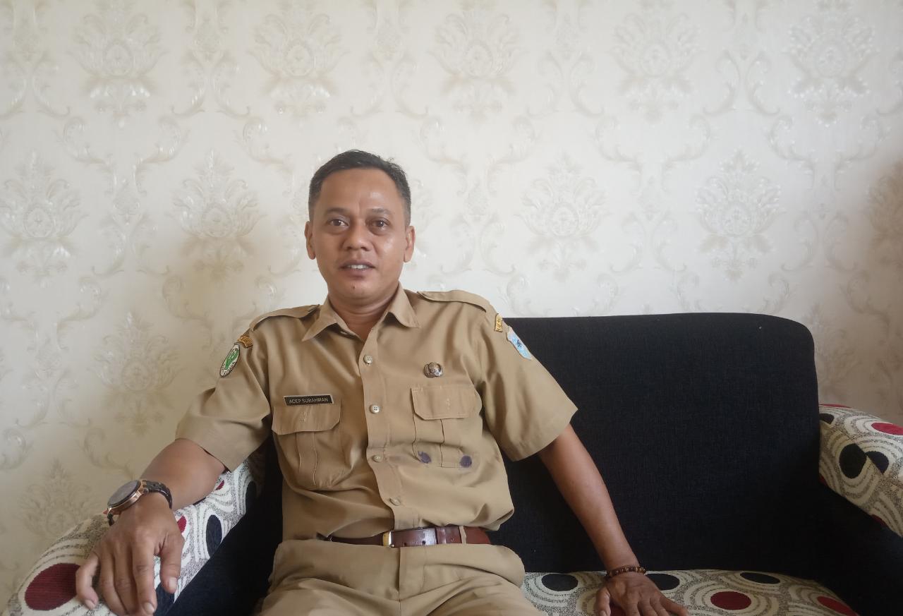 Foto : Acep Surahman S,kep , Nes selaku kasubag TU Puskesmas Sindangresmi.