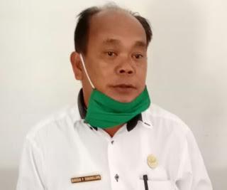 Foto : Camat Nainggolan, Drs.Barisan P Manullang